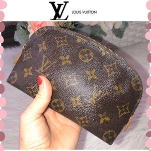 Authentic Louis Vuitton Monogram Pochette